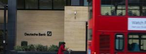 Ausnahmsweise regnet es nicht: Aufnahme einer Deutschen-Bank-Filiale in London vom März 2016