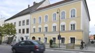 Braunau am Inn: In diesem Haus wurde Adolf Hitler geboren.