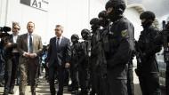 Bundesregierung droht gewalttätigen Gipfel-Gegnern mit Härte