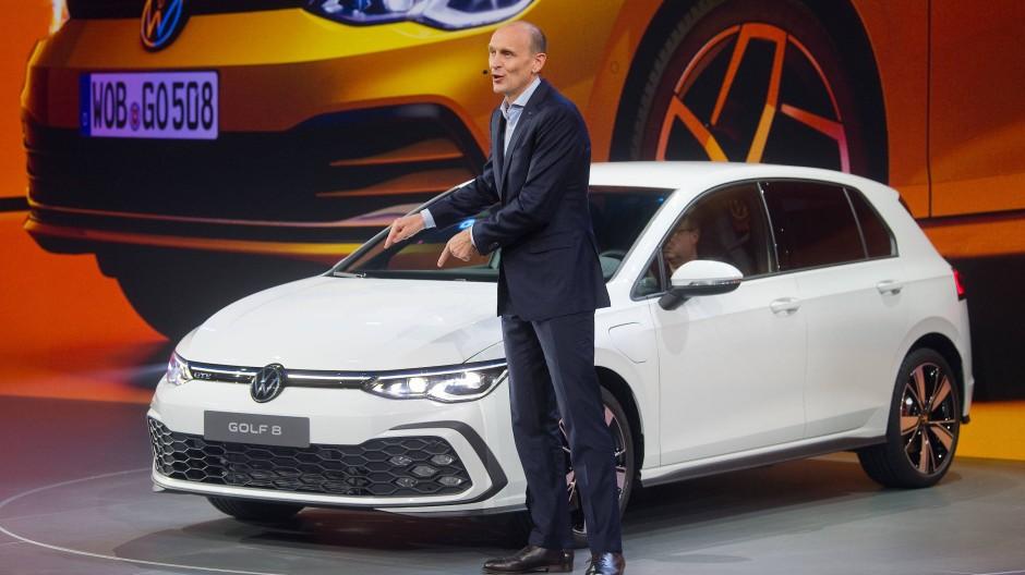 Vorstandsmitglied Ralf Brandstätter bei der Weltpremiere des Golf VIII in Wolfsburg im Oktober 2019
