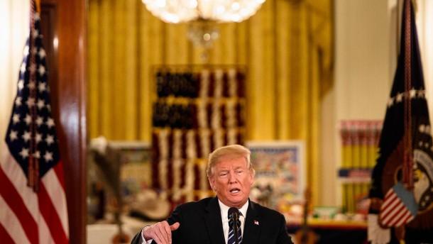 Trump prüft Entzug von Sicherheitsgenehmigung für Ex-Geheimdienstler