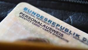 "Warnung vor ""Dschihadistenstempel""  im Personalausweis"