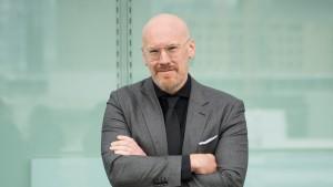 """Wissenschaft in Geschichten erzählt: Philipp Kohlhöfer über sein Buch """"Pandemien"""""""