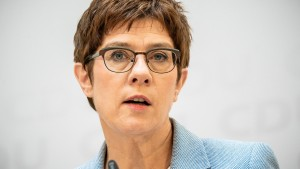 Kramp-Karrenbauer sieht Urwahl skeptisch