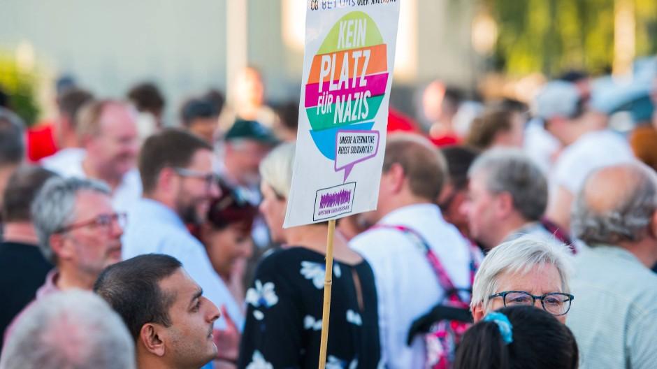 Anteilnahme und Protest bei einer Mahnwache in Wächtersbach am Dienstagabend
