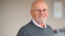 Dirk Roßmann hört als Geschäftsführer der Drogerien auf
