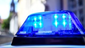 Einbruch mit gestohlenem Wagen in Juweliergeschäft