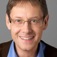 """Manfred Lindinger - Portraitaufnahme für das Blaue Buch """"Die Redaktion stellt sich vor"""" der Frankfurter Allgemeinen Zeitung"""