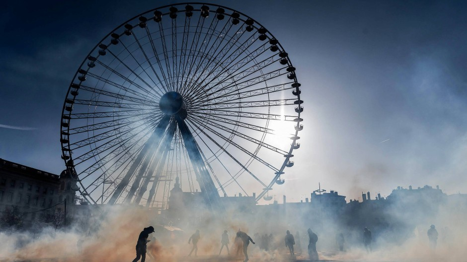 Lahmgelegt: In Lyon sind viele Menschen zum Protest auf die Straßen gegangen, das öffentliche Leben kam stellenweise zum Erliegen.