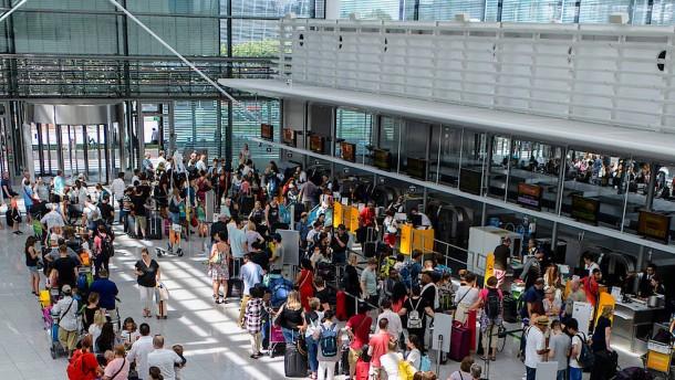 Münchner Flughafen bekommt Chaos nicht in den Griff