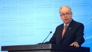 """Thyssen-Krupp-Bereichsvorstand Hans Atzpodien: """"Wir werden erst noch von der australischen Regierung über die Hintergründe informiert werden."""""""