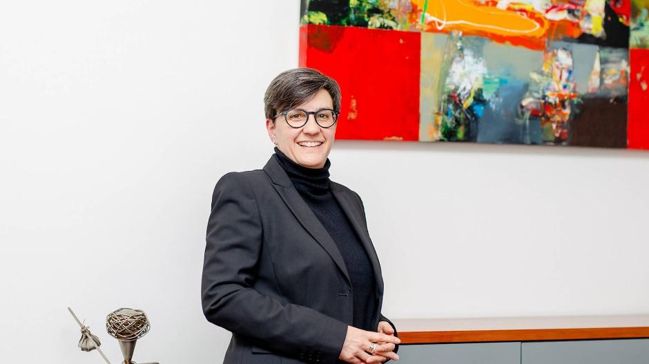 Sorgt sich um die Mobilität in Frankfurt: Die Maler- und Lackierermeisterin Susanne Haus, seit 2020 Präsidentin der Handwerkskammer Frankfurt-Rhein-Main