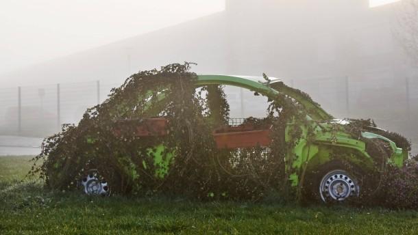 Volkswagen unterbricht Produktion in zwei Werken