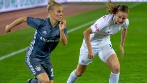 Wolfsburg und Bayern starten mit Siegen ins Achtelfinale