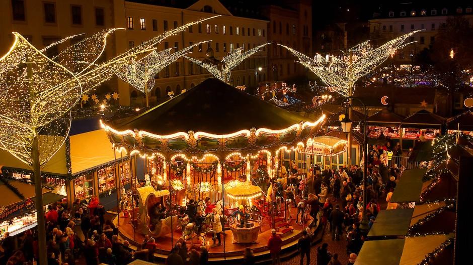 Es geht wieder rund: Wiesbaden wird trotz Pandemie und Ansteckungsgefahr seinen Sternschnuppenmarkt feiern.