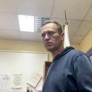 Ein Videostandbild zeigt, wie Alexej Nawalnyj am 18. Januar in einer Polizeistation in Chimki auf seine Gerichtsverhandlung wartet.