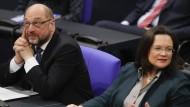 Warum tun sie sich so schwer? Martin Schulz und Andrea Nahles im Bundestag.