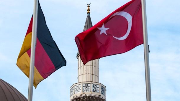 CDU-Politiker fordern Islamgesetz im Wahlprogramm