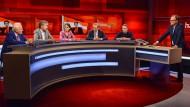 Wegen des Wahlerfolgs von Sebastian Kurz in Österreich ändert Frank Plasberg kurzerhand das Thema der Sendung.
