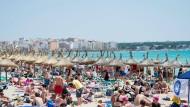 So liegen die Deutschen: der Strand von Arenal
