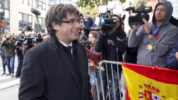 Staatsanwaltschaft fordert EU-Haftbefehl für Puigdemont