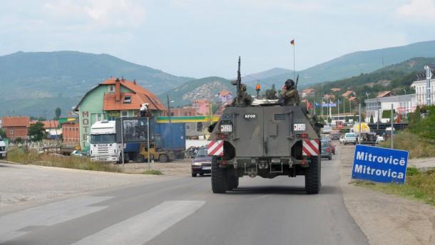 Bundeswehr verstärkt Kfor-Truppe im Kosovo