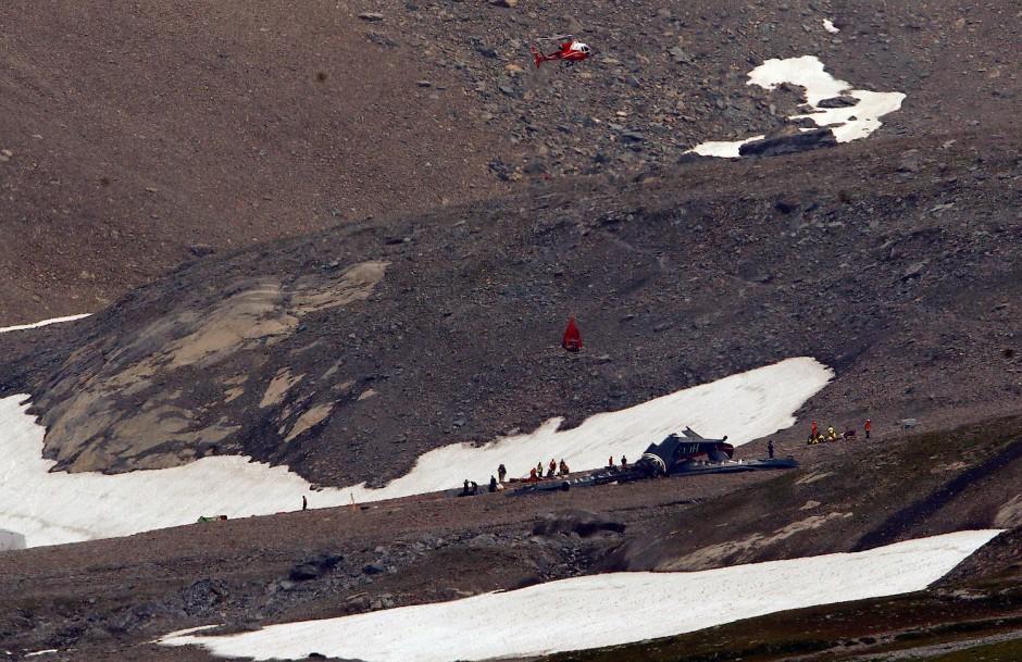17 Passagiere und drei Besatzungsmitglieder starben bei dem Unglück.