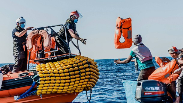 "Rettungsschiff ""Ocean Viking"" ruft Notstand aus"