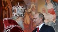 Kurzer Draht: Patriarch Kirill und Präsident Wladimir Putin während der Ostermesse im vergangenen Jahr