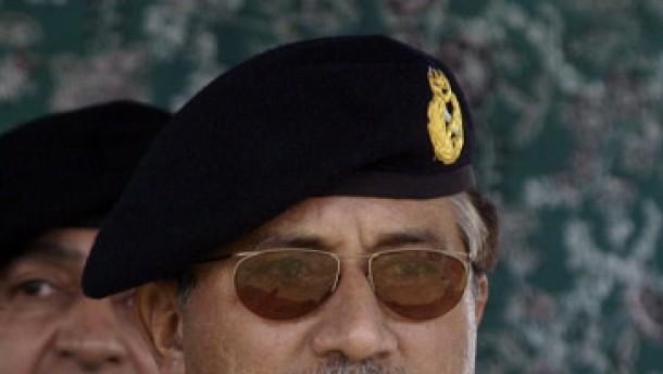 Musharraf verlangt Aufgabe der Moscheebesetzer