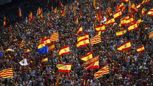 Hunderttausende demonstrieren in Barcelona gegen Unabhängigkeit