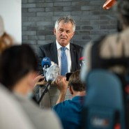 Nimmt zu den Krawallen Stellung: der Frankfurter Polizeipräsident Gerhard Bereswill