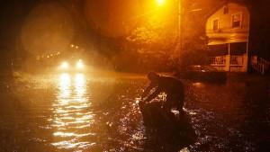 """Hurrikan """"Florence"""" beginnt sein zerstörerisches Werk"""