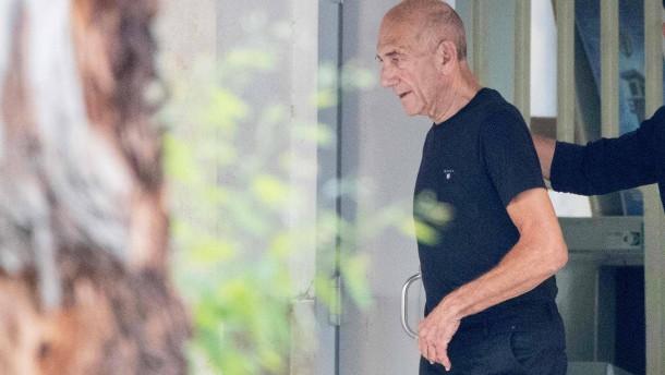 Ehemaliger Regierungschef Olmert aus Haft entlassen