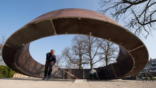"""""""Gebrochener Ring"""" erinnert an die Opfer von Winnenden"""