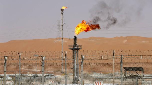 Houthi greifen saudi-arabische Öl-Anlagen an