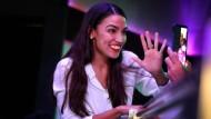 Populär auf Instagram: Alexandria Ocasio-Cortez ist die jüngste Abgeordnete im amerikanischen Kongress.