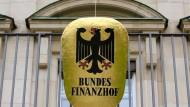 Die Richter am Bundesfinanzhof gehören unter den Bundesrichtern zu den Topverdienern.