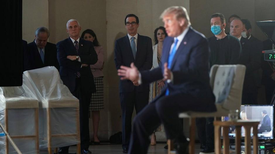 Der amerikanische Präsident Donald Trump bei dem Auftritt im Sender Fox News am Sonntagabend