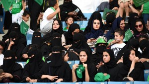 Saudi-Arabien lässt erstmals Frauen ins Sportstadion