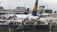 Gericht erlaubt Lufthansa-Flugbegleitern weitere Streiks