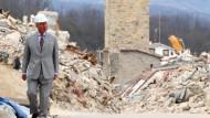 Prinz Charles besucht von Erdbeben verwüsteten Ort Amatrice