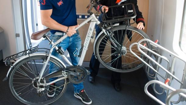 Macht Platz für Fahrräder im ICE!