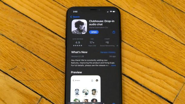 Twitter und Facebook bauen Clubhouse-Klone