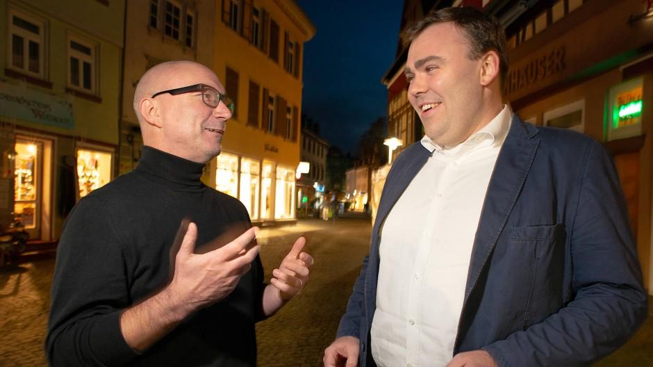 """Christoph Rathert und Alexander Jackson diskutieren bei """"Deutschland spricht""""."""