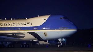 Präsidenten-Maschine soll Bushs Leichnam abholen