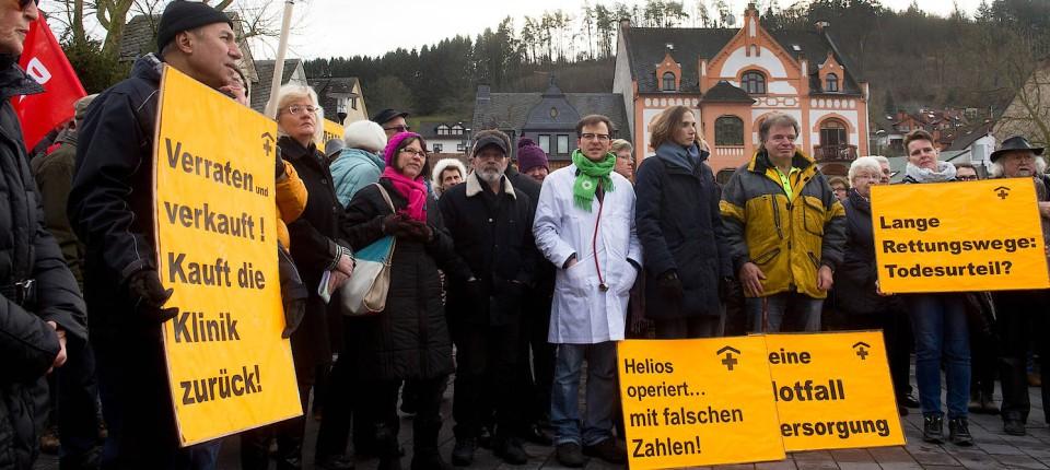 Helios Klinik Bad Schwalbach Mitarbeiter Demonstrieren Gegen Schließung