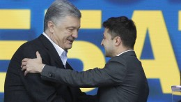 Selenskyj gegen Poroschenko laut Umfragen vorn