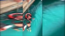 Rollstuhlfahrerin fällt von Landungssteg eines Kreuzfahrtschiffes