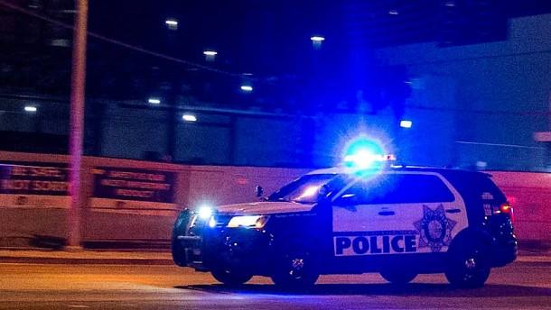Polizei erschießt Schwarzen